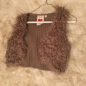 Sweaters - Faux fur vest